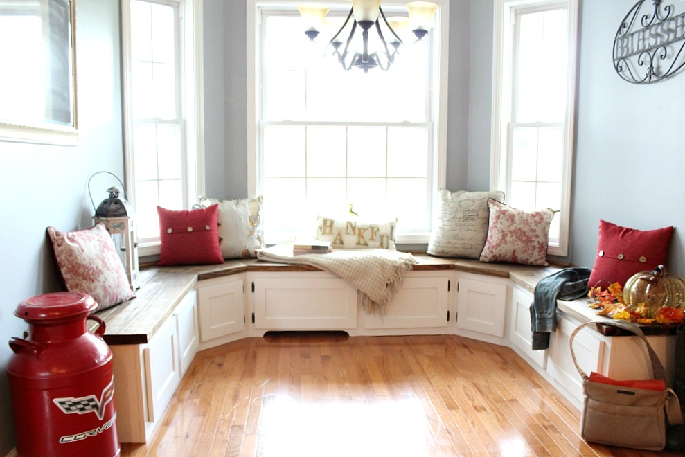 You won't believe the difference these DIY Built Ins had on this breakfast kitchen nook!