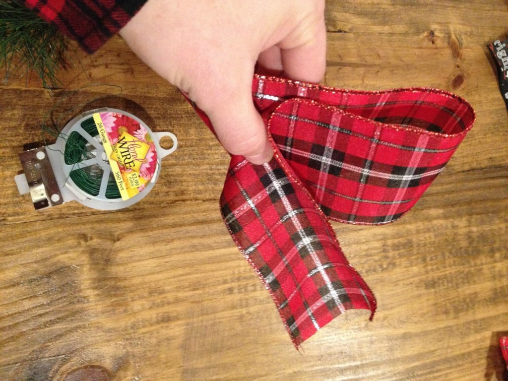Super Easy 5 Minute Christmas Swags