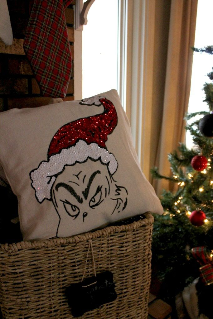 Check out this awesome Grinch Pillow--a Pottery Barn Knock Off!