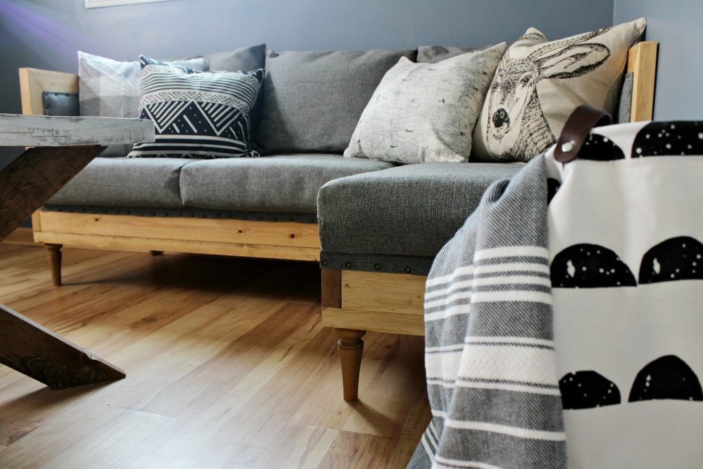 How to upholster a wood frame couch--free building plans to build your own couch and upholstery tutorial