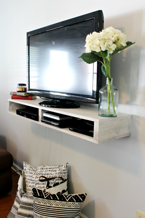 Free Building plans to make this super easy DIY Floating TV Shelf that could also be used an a simple floating bedside table or as an entryway table