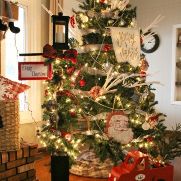 How to Build a DIY Christmas Lantern Posts from Scrap Wood and Old Spindles--Easy Christmas Craft