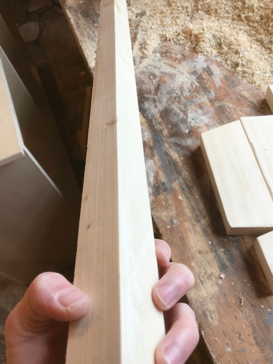 How to get straight 2x2s to build DIY furniture with