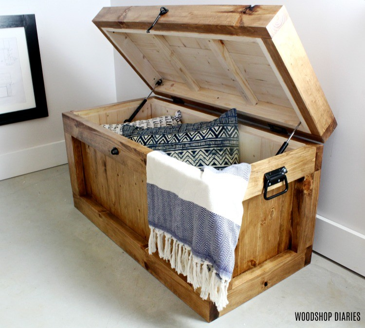 DIY hope chest toy box--great christmas gift idea for kids