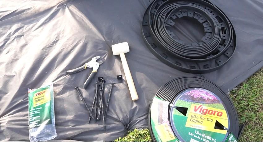 Vigoro no dig landscape edging preparing to install