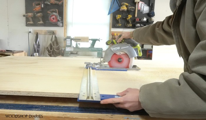 Using rip cut and circular saw to cut plywood