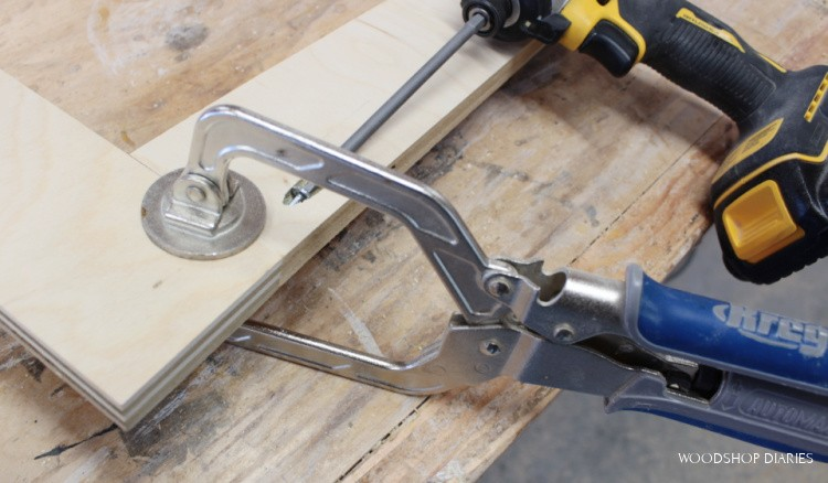 Kreg face clamp clamping face frame while driving pocket hole screw to attach